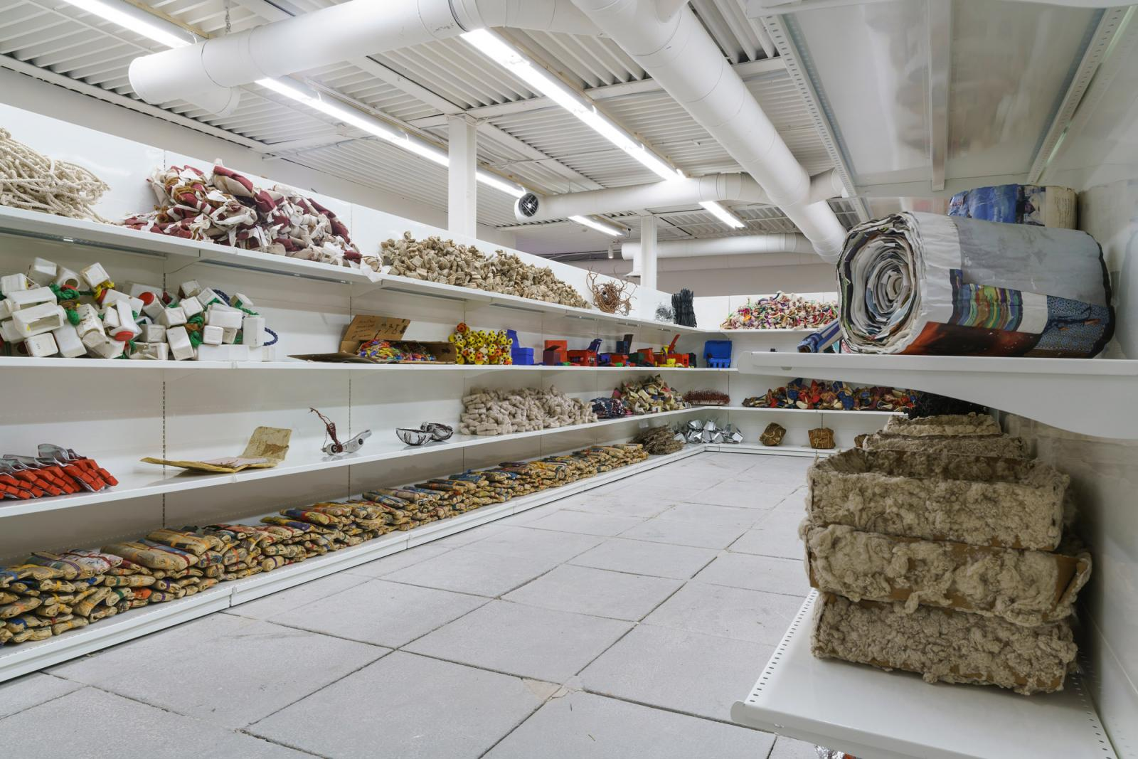 Hassan Sharif /Hassan Sharif Studio (Supermarket)/ (1990-2016) Photo: Andrea Avezzú