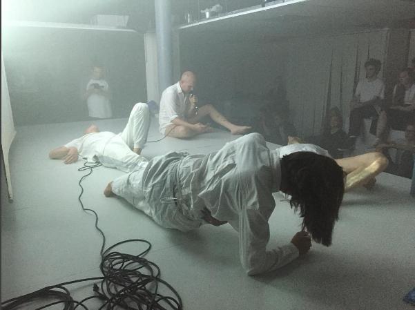 Lukas von der Gracht Performance/#meditation4artists/ atCabaret der Künstler – Zunfthaus  Voltaire