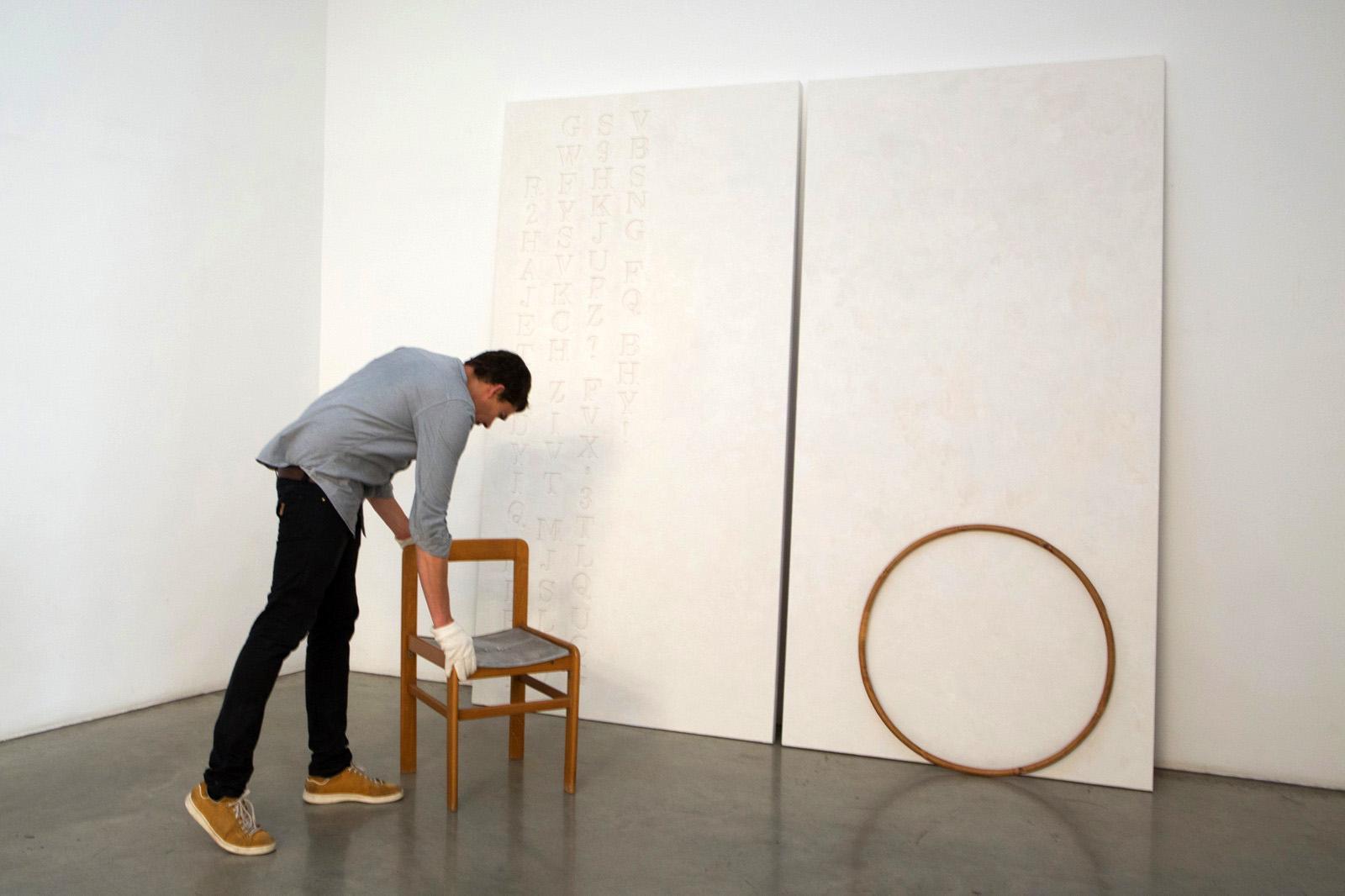 Installing HH Lim's work /Lao Tzu said/, 2016 Christine König Galerie curated byGiulia Ferracci Photo:eSeL