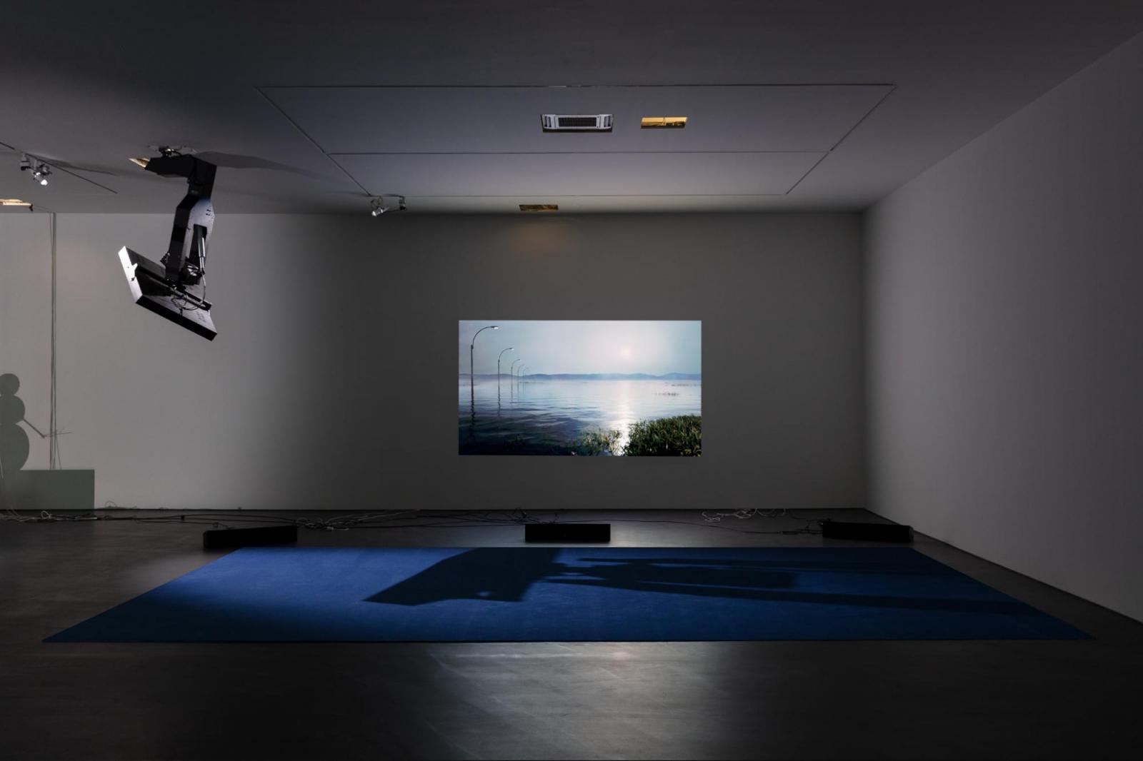 "Installaton view,Philippe Parreno, ""Manifestations"", Esther Schipper,  Berlin, 2020; Courtesy the artist and Esther Schipper, Berlin.Photo ©  Andrea Rossetti"