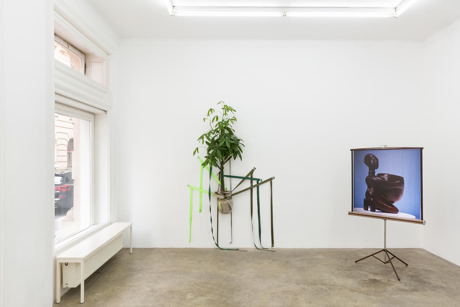 """Galerie Sophie Tappeiner, curated byJeppe Ugelvig, 2020; Exhibition view,""""Get Rid of Yourself""""  Photo:kunst.dokumentation.com"""