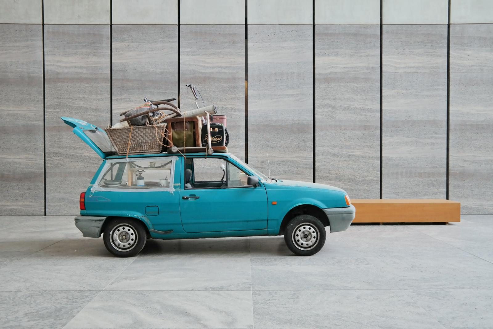 Manaf Halbouni /Nowhere is home/ (2015) Courtesy the artist