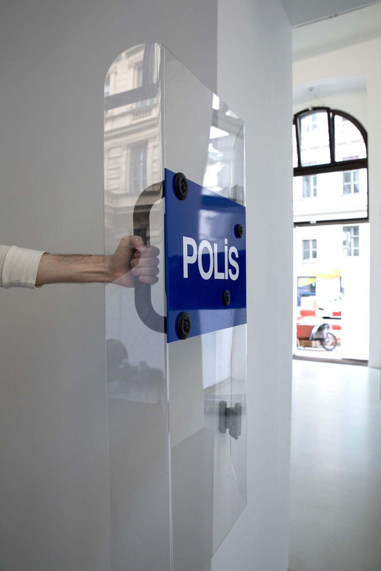 "Ahmet Öğüt /The Swinging Doors, Turkey Edition/ (2009) ""Schreibtischuhr"" curated by John Rajchman, artists selected by Liam  Gillick,Galerie Meyer Kainer"