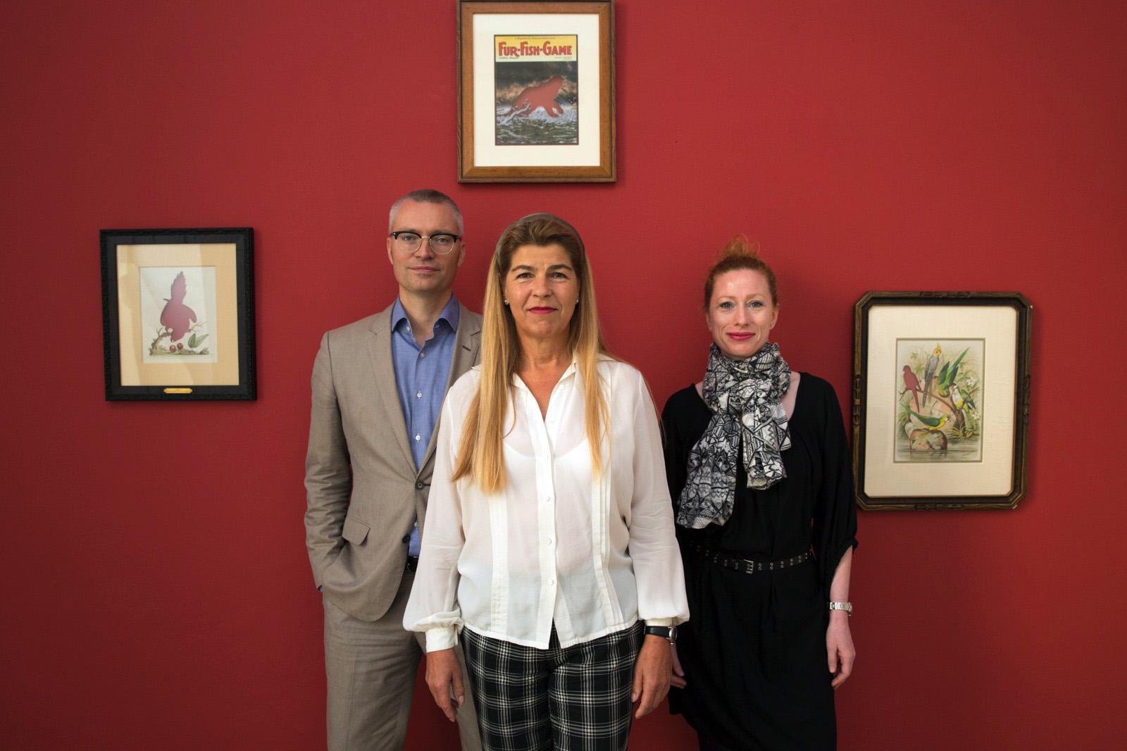 Dealer Elisabeth Thoman (middle) with curatorsDieter Buchhart & Anna Karina  Hofbauer Photo:eSeL