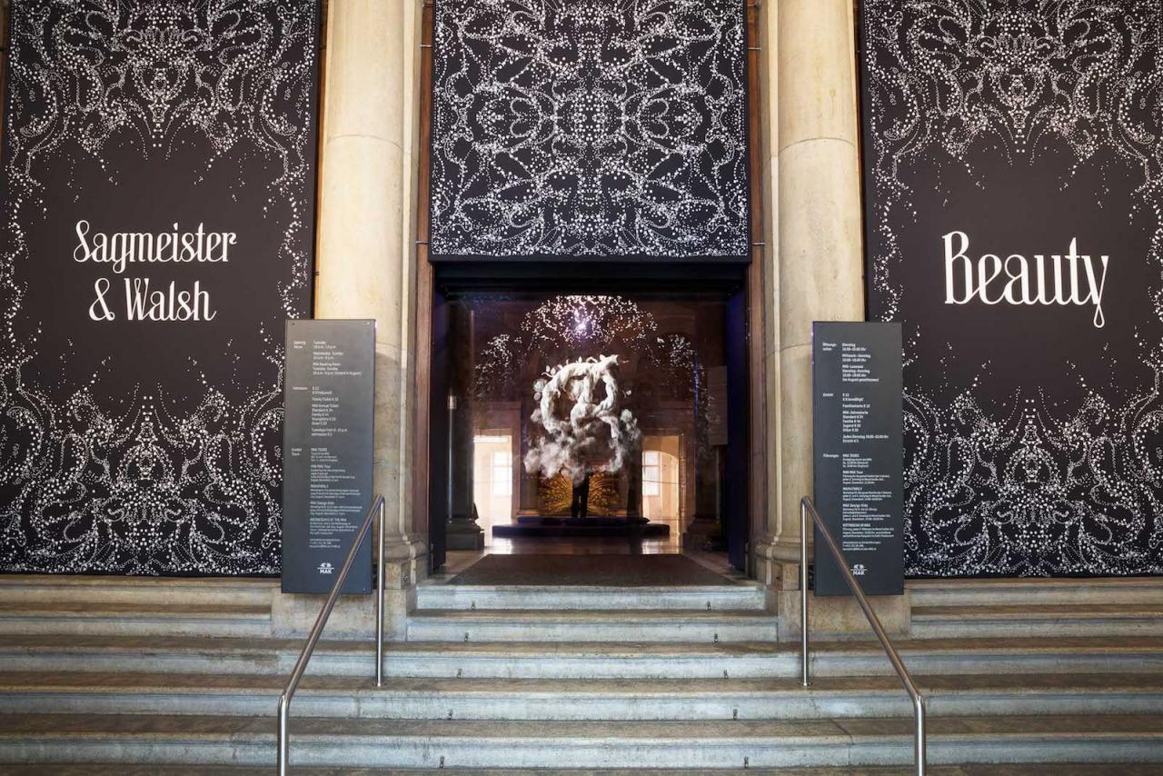 """""""SAGMEISTER & WALSH: Beauty"""" (2018) Exhibition view at MAK Sagmeister & Walsh, Fog Screen (2018) The installation was produced in cooperation with the ERSTE Stiftung © Aslan Kudrnofsky/MAK"""