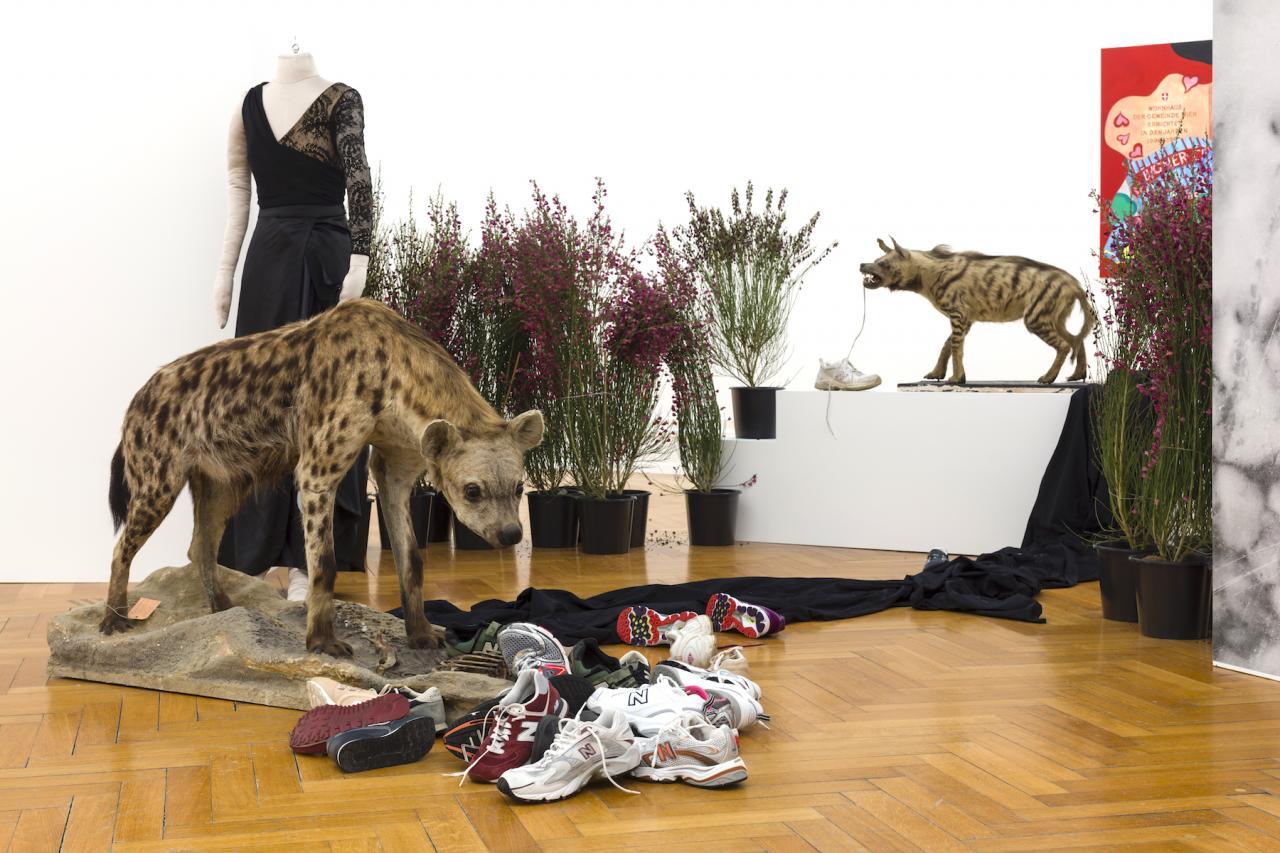 """Installation view """"Jackie of All Trades & Her Radical Chic Academy mit (((HC Playner)))"""", Kunsthalle Bern, 2017 ©Bildrecht, Wien, 2017, Courtesy Galerie Meyer Kainer"""