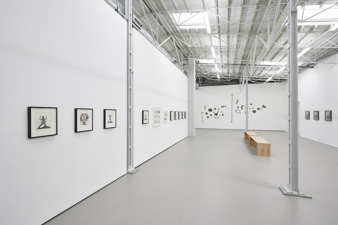 """Mary Beth Edelson """"Nobody Messes with Her"""", Exhibition view Photo: Volker Renner"""