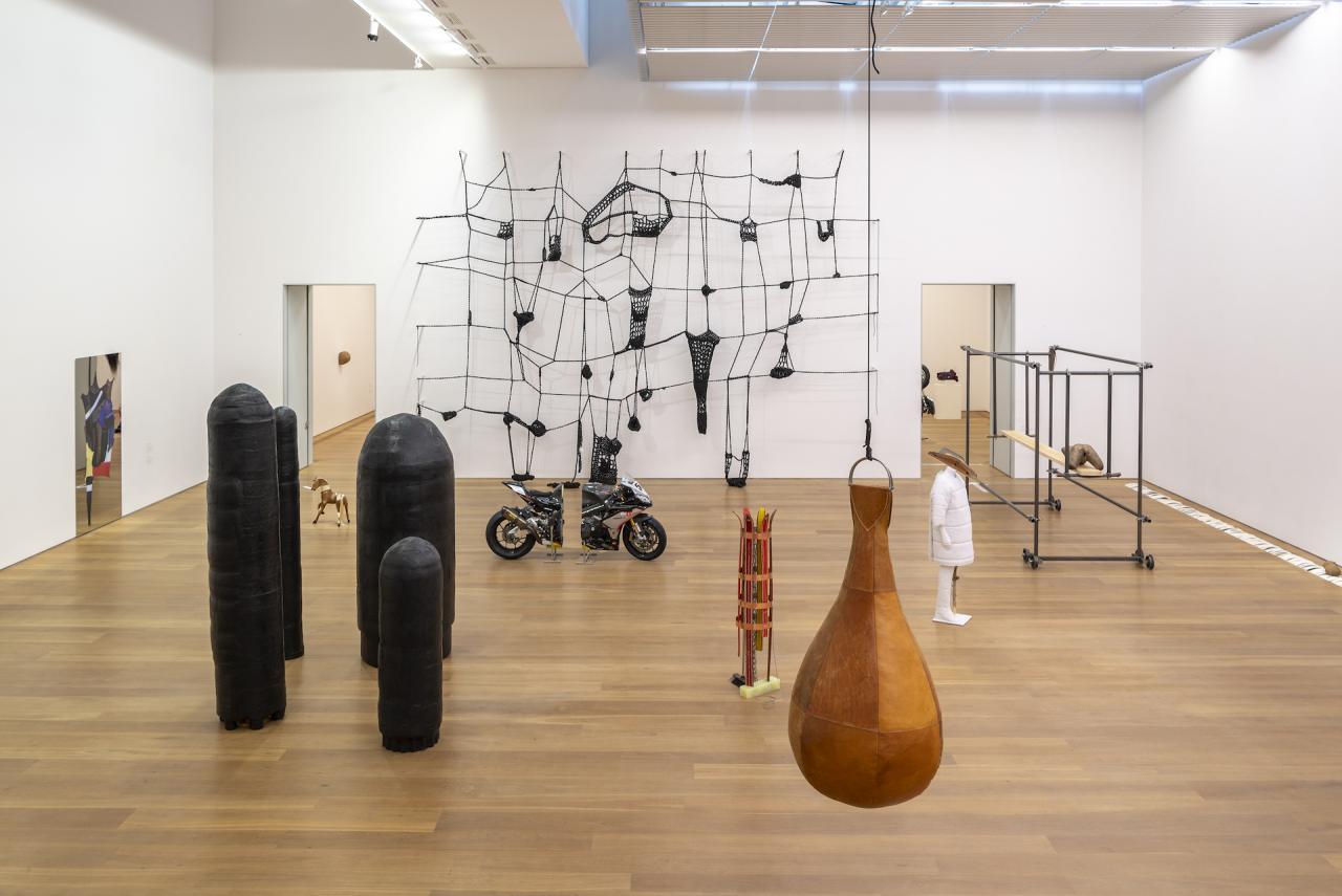 """Installation view: """"Alexandra Bircken: A-Z"""" at Museum Brandhorst. Copyright Alexandra Bircken.Photo: Haydar Koyupinar, Bayerische Staatsgemäldesammlungen, Museum Brandhorst, Munich"""