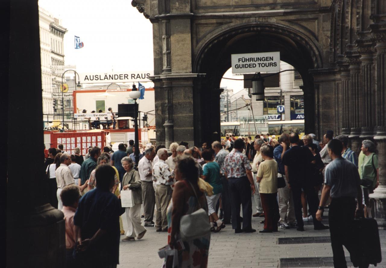 """ChristophSchlingensief's performance """"Ausländer raus!"""" at Wiener Festwochen in 2000"""