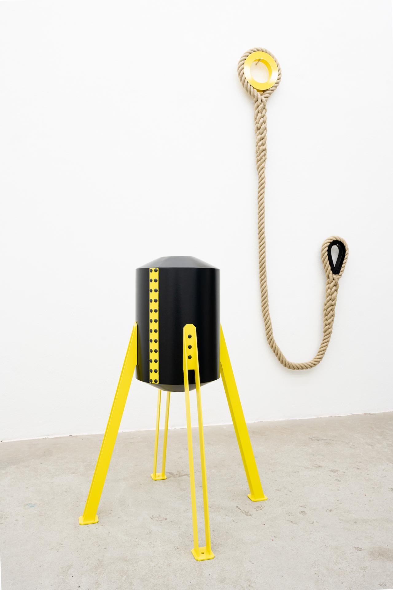 Eva Grubinger, right - Untitled (Petrischenko), 2018, Steel, hemp rope, ca. 220 × 90 × 10 cm left - Untitled (Petropawlowsk), 2018, Aluminum, Stainless steel, 112,5 × 87,5 × 87,5 cm, Copyright, courtesy Eva Grubinger und Galerie Tobias Naehring, Leipzig