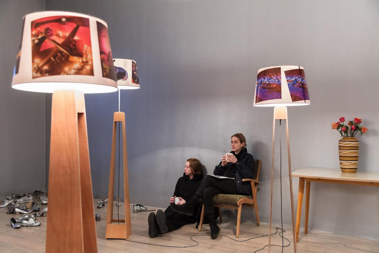 """Marc Camille Chaimowitz """"Belated Opening"""" (2017); Installationsansicht Foto: Mark Blower"""
