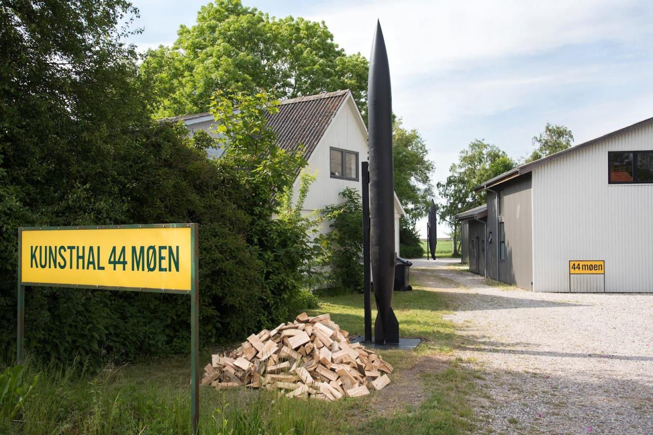 Michael Sailstorfer Brenner (2017) at44 Møen outside of Copenhagen
