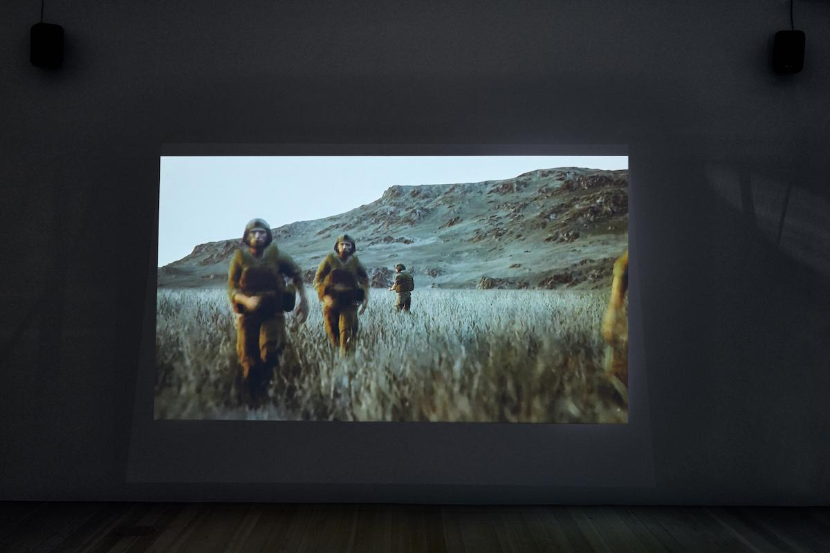 """Neïl Beloufa Exhibition view of """"Global Agreement"""" (2018) Photo: Marc Krause"""