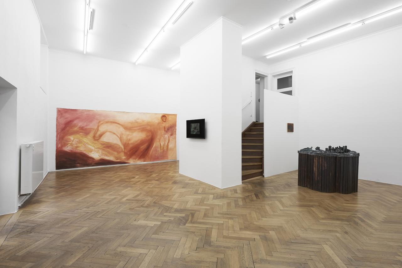 Installation view, Lena Henke, Dominique Knowles, and Megan Francis Sullivan; Sperling Gallery Munich in collaboration with Galerie Emanuel Layr (Vienna/Rome), 2020