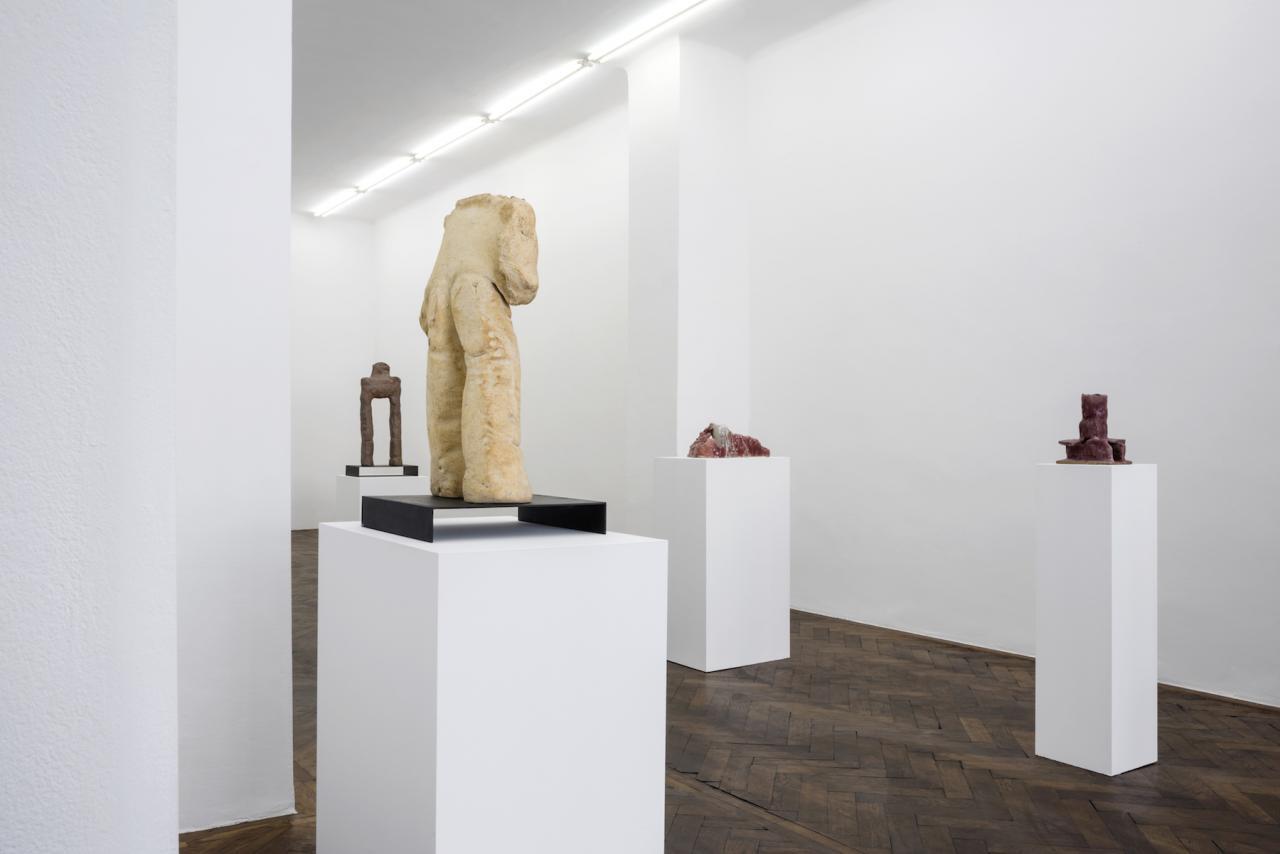 Simone Fattal Installation view atGalerie Hubert Winter, Vienna Courtesy the artist and Galerie Hubert Winter, Vienna;Photo: Simon Veres