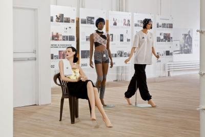 Installationansicht »Bernadette Corporation: 2000 Wasted Years« Artists Space, New York, 2012. Foto: Daniel Pérez