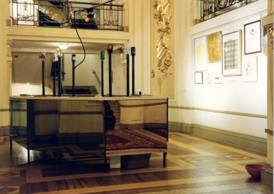 Untitled , 1997,Franz West & Heimo Zobernig Installation view Fundação de Serralves, Porto Photo: Archiv HZ