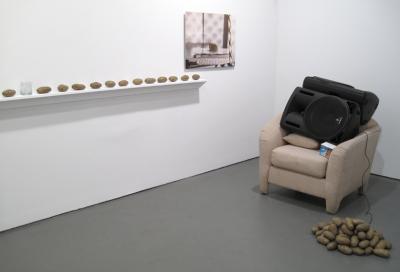 Margaret Lee, Exhibition view of »Michele Abeles/Margaret Lee\Darren Bader« White Columns, New York City, 2010 Courtesy of White Columns