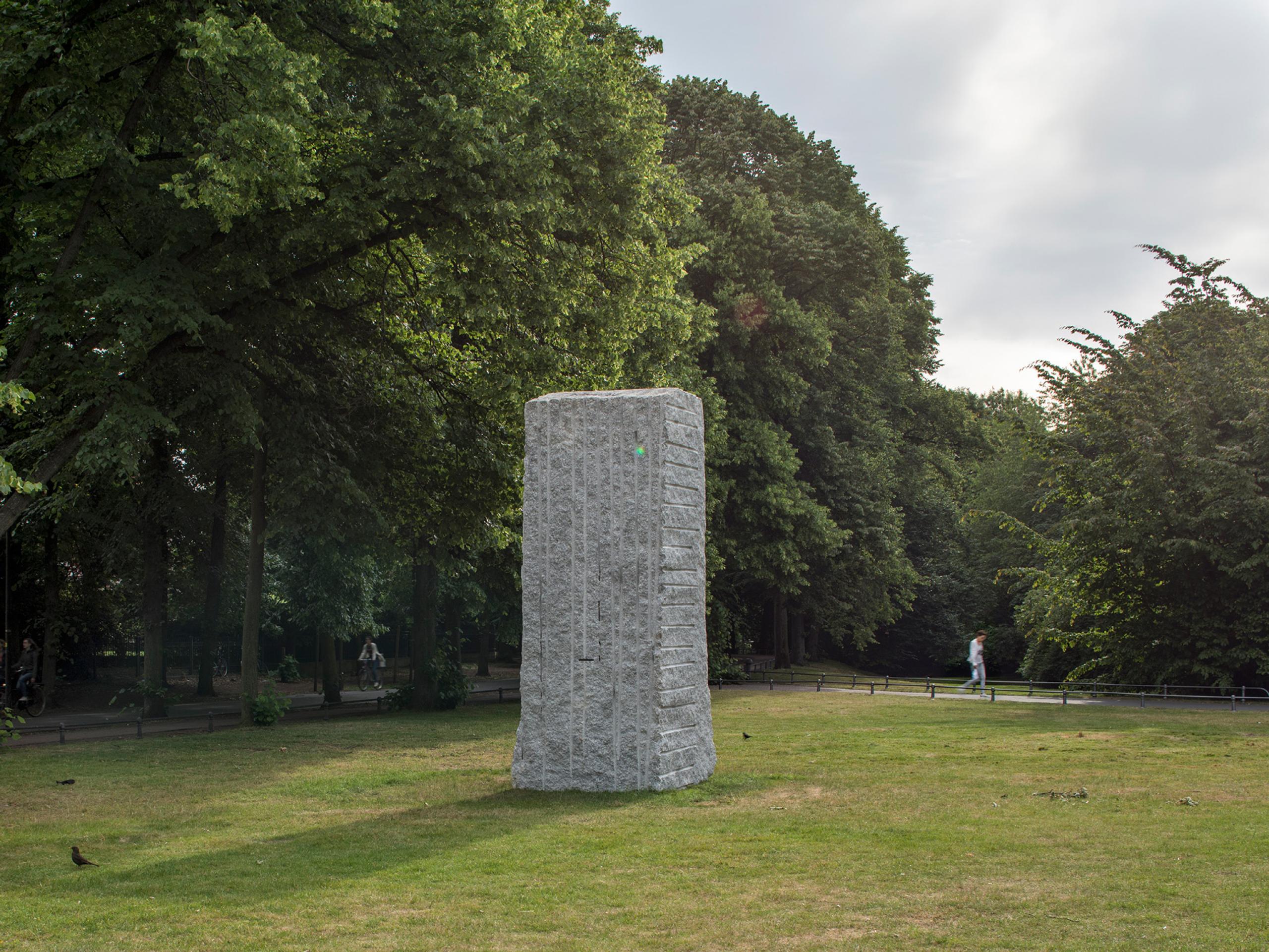Lara Favaretto Momentary Monument (2017) Photo: Henning Rogge