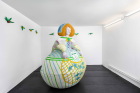 Agnes Scherer, Bonbonnière , 2021, plaster gauze, paint, styrofoam, 145 × 127 × 84 cm, photo by Trevor Lloyd, courtesy of ChertLüdde, Berlin and Agnes Scherer, Berlin